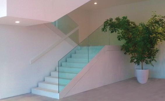Nuova cristalvetri vetreria a barletta dal 1960 balaustre e parapetti in vetro per interni - Parapetti in vetro per scale ...