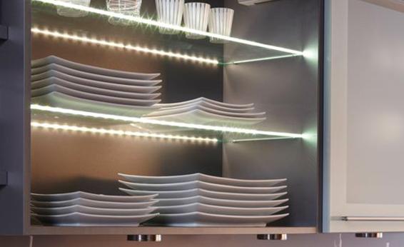 Nuova cristalvetri vetreria a barletta dal 1960 mensole e ripiani in vetro - Mensole in vetro per soggiorno ...